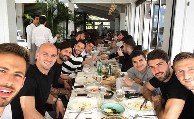Photo of «Μεσημεριανό με την ομάδα»