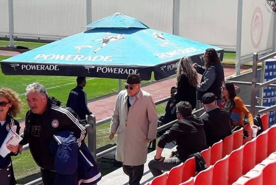 O μεγάλος Γιώργος Δαρίβας και οι Παλαίμαχοι στο πλευρό των πρωταθλητών (pics)