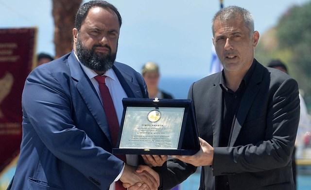 Photo of «Ευχαριστώ τον Πρόεδρο για τη δωρεά του»