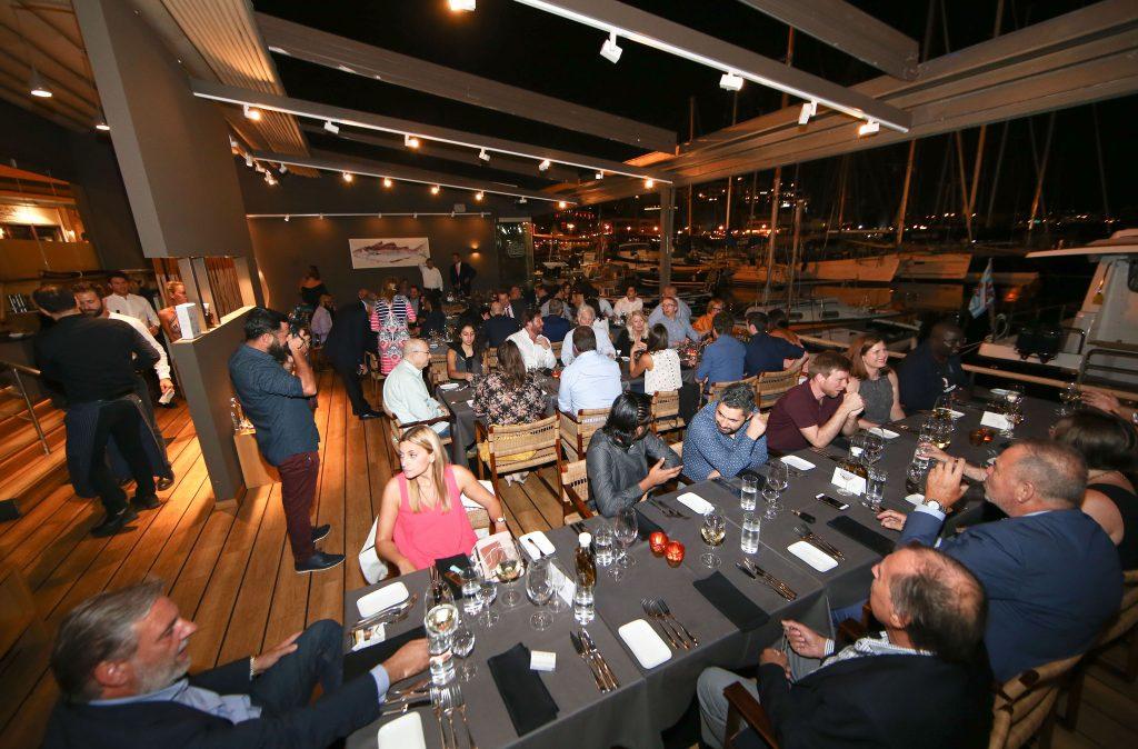 Photo of Υπέροχο δείπνο, με φόντο τη θάλασσα του Πειραιά!