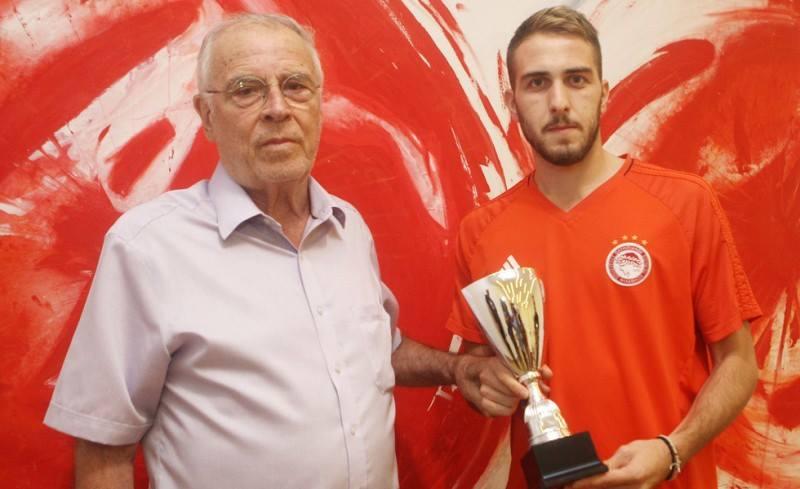 "Photo of ""Είσαι ο καλύτερος Έλληνας ποδοσφαιριστής και θα το αποδείξεις"""