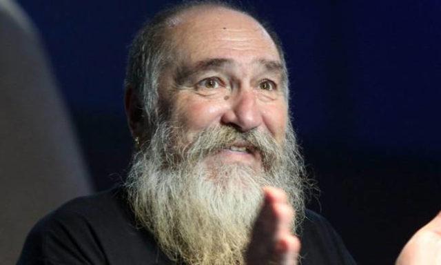 Photo of «Έφυγε» ο θρυλικός Τζίμης Πανούσης