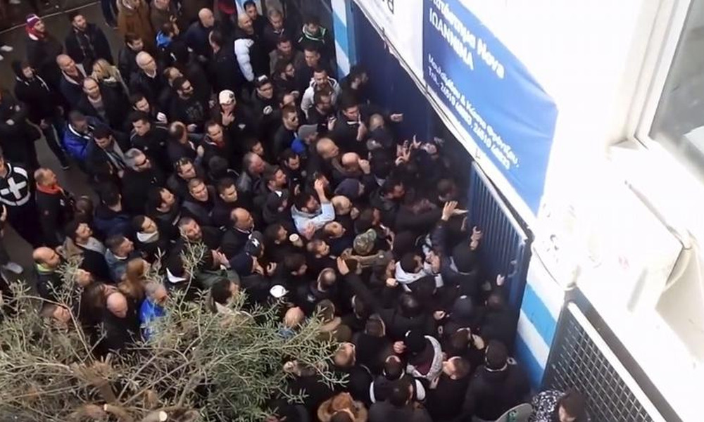 Photo of Οργανωμένοι ΠΑΣ εναντίον Χριστοβασίλη