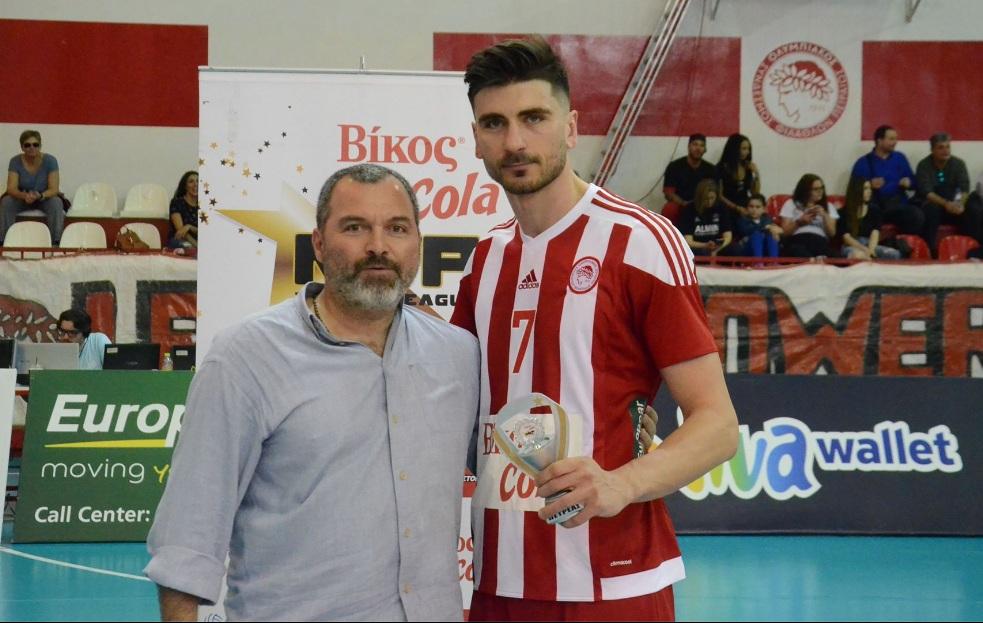 Photo of Παρέλαβε τον τίτλο του MVP ο Πετρέας