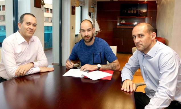 Photo of Τίμησαν Γιαννακόπουλο Αγγελόπουλοι, ΚΑΕ Ολυμπιακός και Σπανούλης