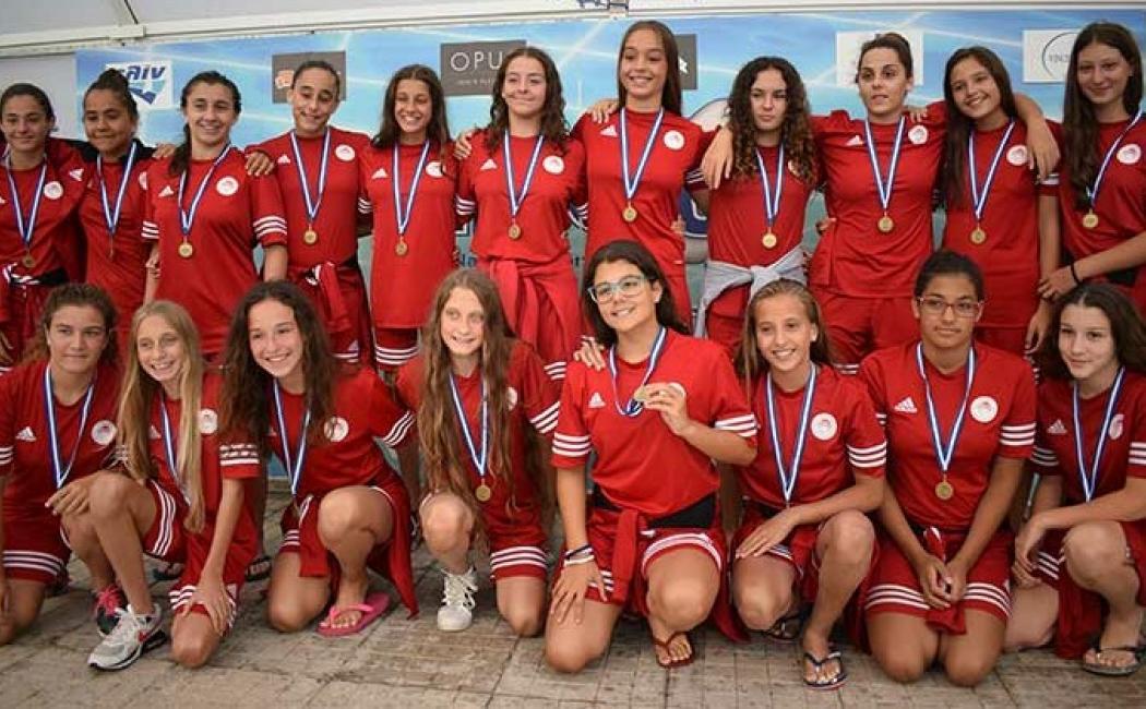 Photo of Ασημένιο μετάλλιο για τις νεανίδες!