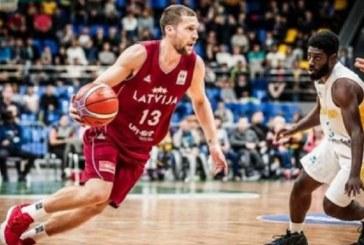 «Λαμπρός» Στρέλνιεκς οδηγεί την Λετονία!