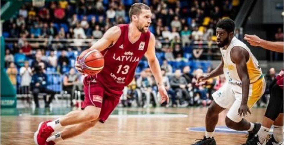 Photo of «Λαμπρός» Στρέλνιεκς οδηγεί την Λετονία!