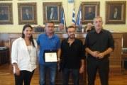 Βραβεύτηκαν Κραβαρίτης και Μορφέσης από τον Δήμο Πειραιά