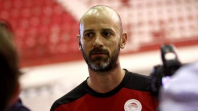 Photo of Ζαραβίνας: «Να συγκεντρωθούμε στον ημιτελικό με τον ΠΑΟΚ