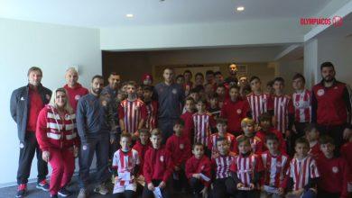 Photo of Οι νεαροί ποδοσφαιριστές επιφύλαξαν θερμή υποδοχή στην ομάδα
